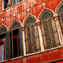 Venetian Blinds, Italy